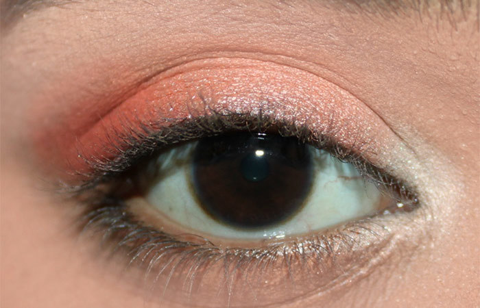 Fresh Coral Eye Makeup Look Tutorial (3)