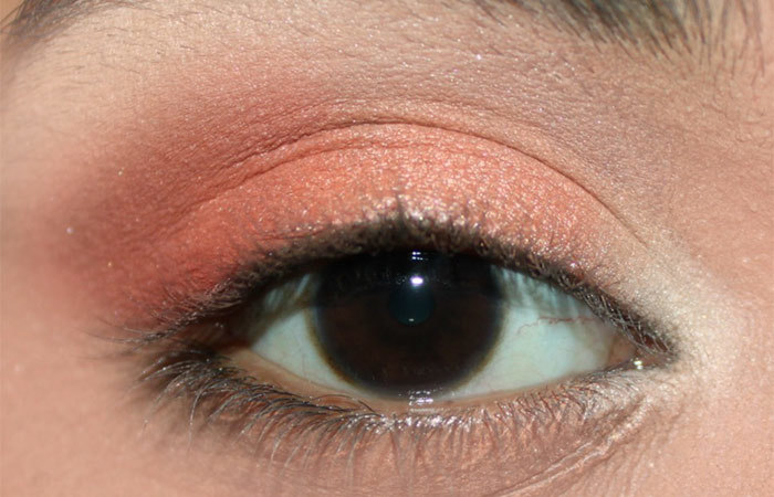 Fresh Coral Eye Makeup Look Tutorial (4)
