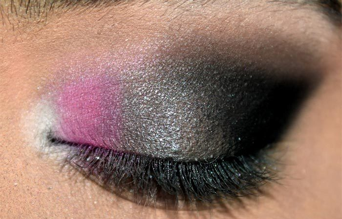 Sultry Pink and Grey Eye Makeup Look Tutorial (4)