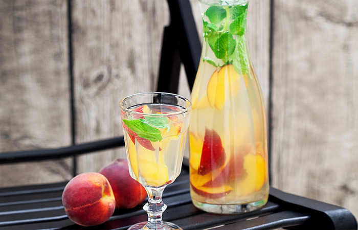 peach-and-mint-Water
