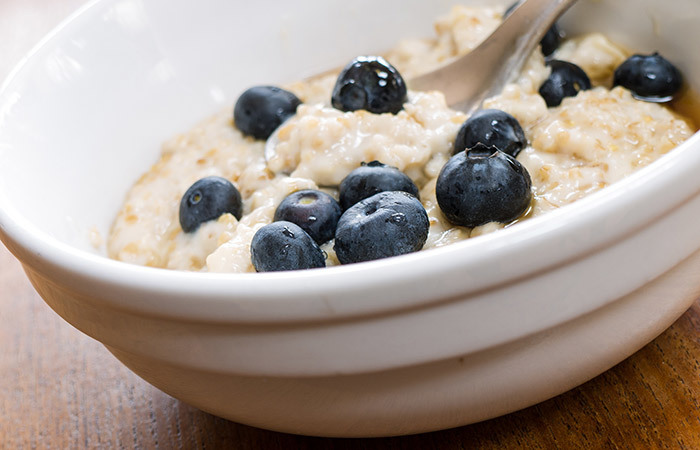 Healthy Breakfast For Weight Gain - Oatmeal Peanut Porridge