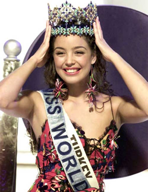 Miss World Of 2002 – Azra Akın