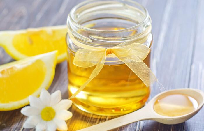 2.-Honey-And-Lemon-Juice