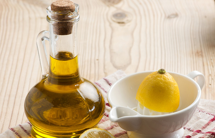 3. Olive Oil, Honey, And Lemon Juice For Acne Scars
