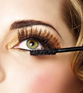 5 Unique Ways Of Using Your Old Mascara Wand