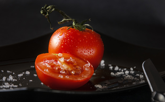 5. Tomato Face Pack For Instant Glow