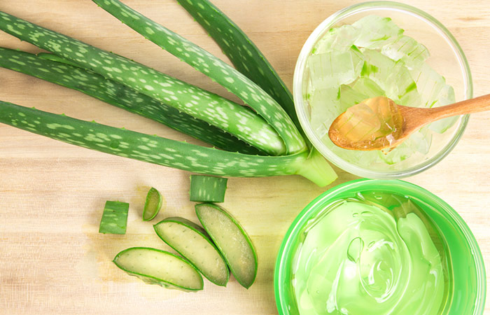 6. Olive Oil And Aloe Vera For Acne Scars