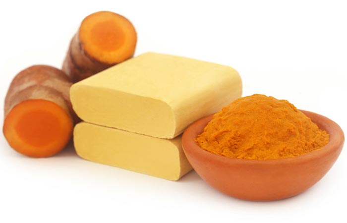 Turmeric, Camphor and Sandalwood Face Pack For Acne Prone Skin