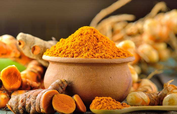 Gram Flour, Turmeric and Sandalwood Face Pack For Dull Skin