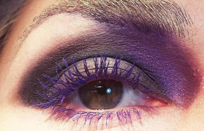 Make Your Brown Eyes More Brighter With Eggplant Mascara