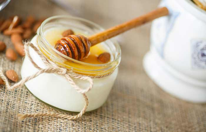 Curd, Honey and Sandalwood Face Pack For Dull Skin