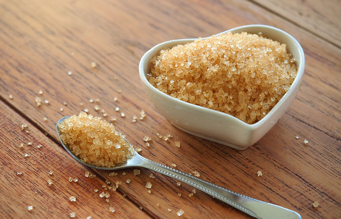 9. Sugar And Olive Oil Scrub For Acne Scars
