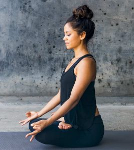 8 Amazing Benefits Of White Light Meditation For Natural Healing