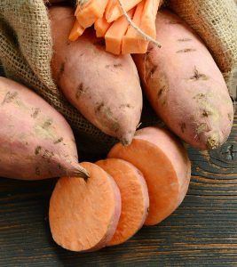 5 Amazing Reasons How Sweet Potatoes Help In Weight Loss