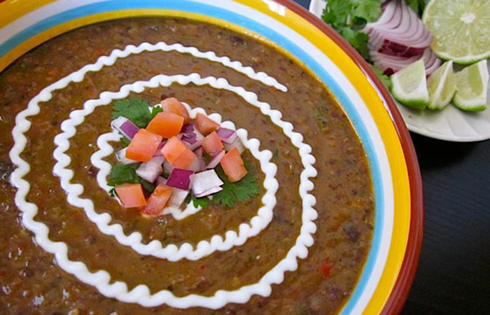 Low Calorie Lunch - Black Bean Soup With Roasted Jalapeno Salsa