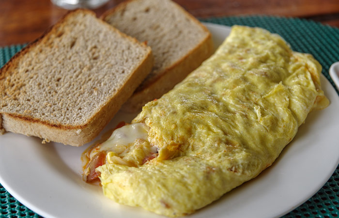 Bread Toast With Masala Omelette