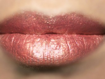 Foiled Lip Makeup Tutorial (6)