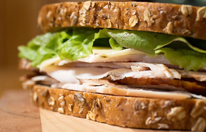 Low Calorie Lunch - Grilled Chicken And Cheese Sandwich