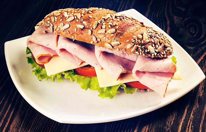 Low Calorie Lunch - Ham, Pear And Swiss Sandwich