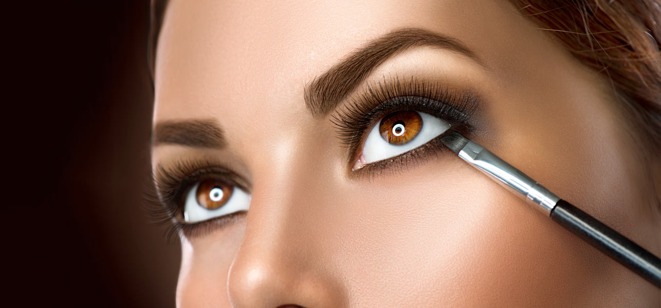 How-To-Apply-Makeup-For-Brown-Eyes