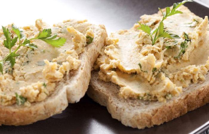 Low Calorie Lunch - Mustard Hummus Mash