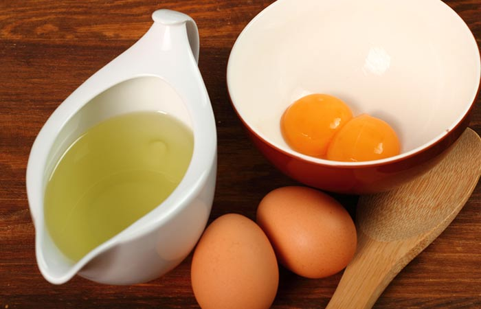 Olive-Oil-And-Egg-For-Dry-Scalp