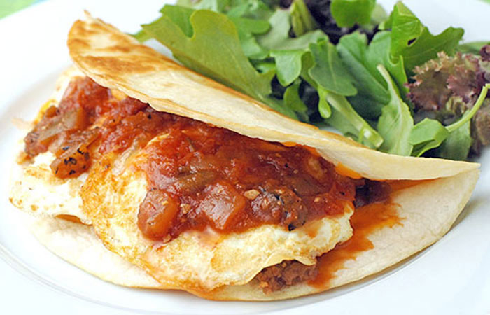 Low Calorie Lunch - Quesadillas Huevos Rancheros