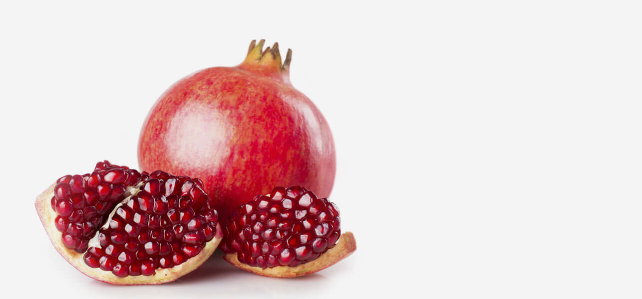 Removing-Pomegranate-Seeds-Has-Never-Been-This-Easy!-And-This-Video-Will-Show-You-Why!