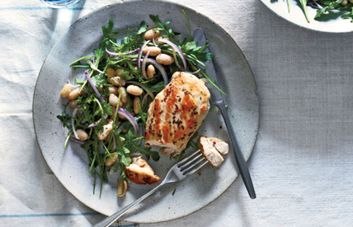 Low Calorie Lunch - Rosemary Chicken With Arugula And White Beans