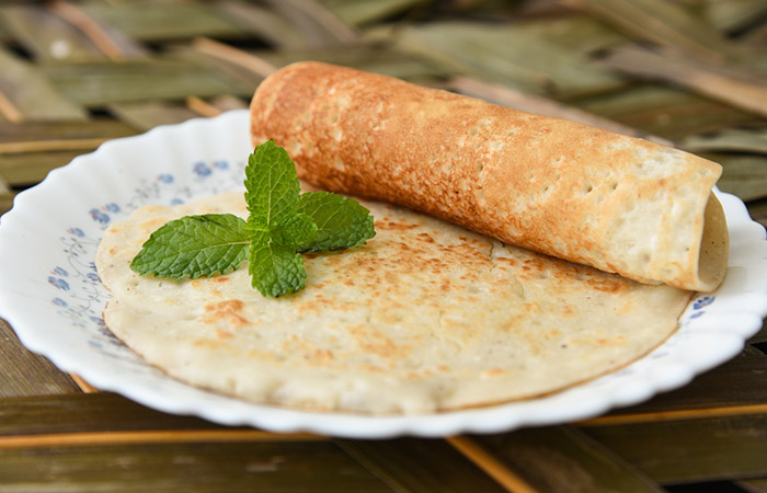 Vella Dosai (Whole Wheat Flour Jaggery