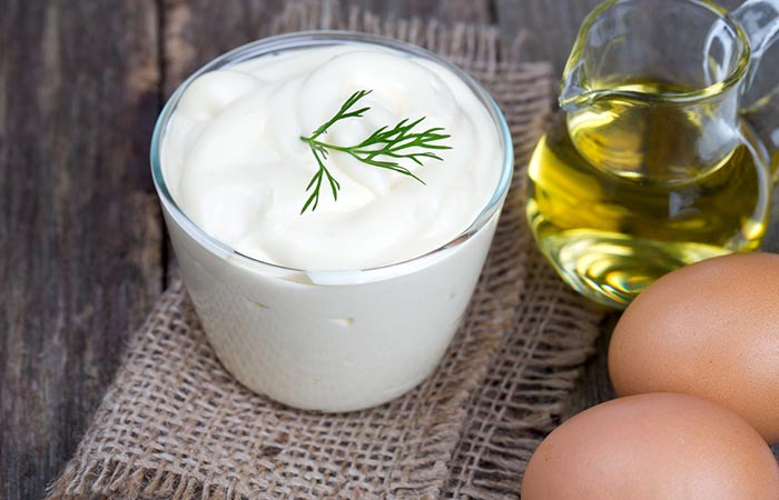 Yogurt-And-Egg-For-Dry-Scalp