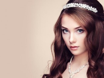10-Best-Hair-Colors-For-Blue-Eyed-Woman