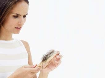 10-Simple-And-Natural-Ways-To-Combat-Thyroid-Induced-Hair-Loss