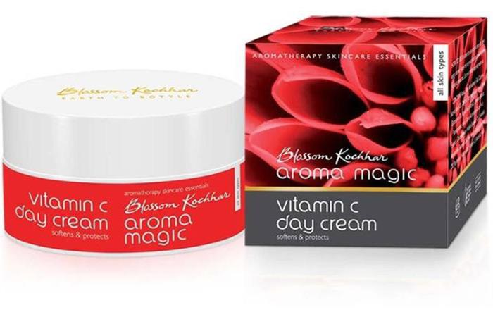 3. Blossom Kochhar Aroma Magic Vitamin C Day Cream