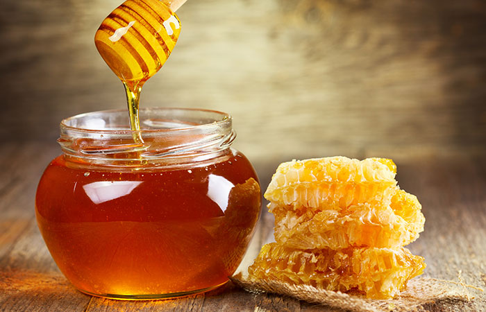3. Honey And Baking Soda For Acne