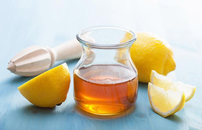 3. Lemon And Honey For Dark Spots On Lips