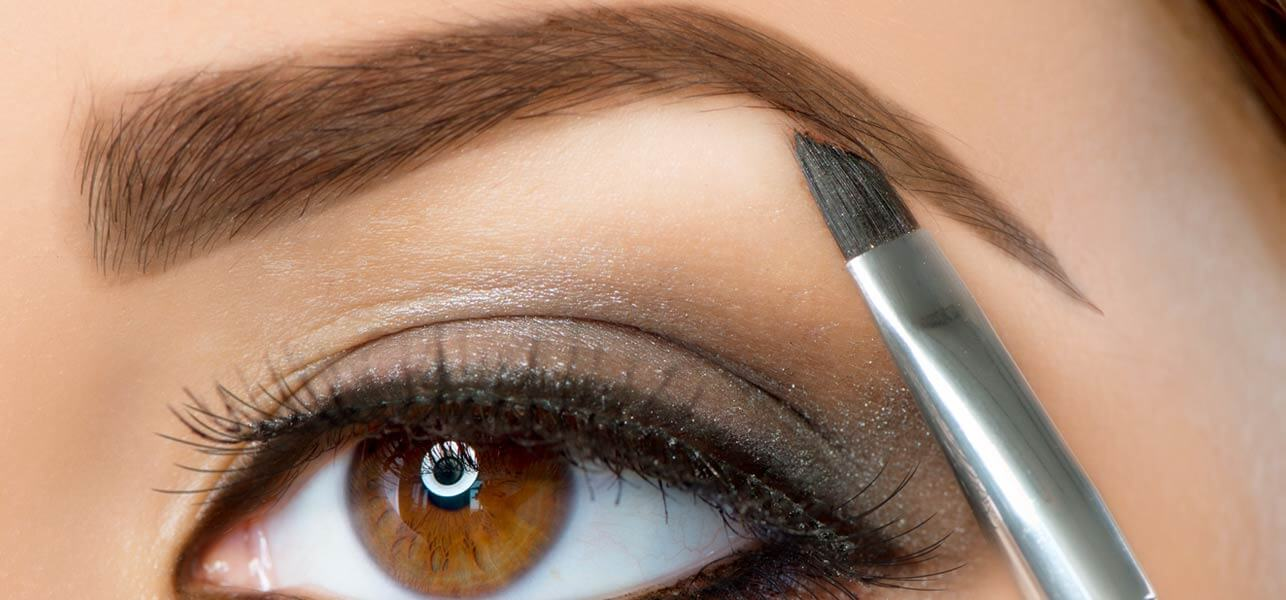 4-Simple-Steps-To-Fill-Your-Eyebrows