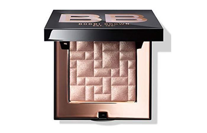 Best Highlighters in India - 4. Bobbi Brown Highlighting Powder