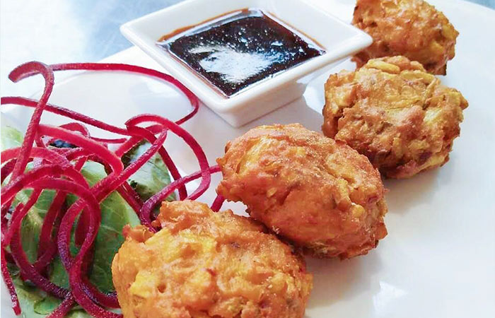 Chicken Pakora Recipes - Crispy Moong Chicken Pakora