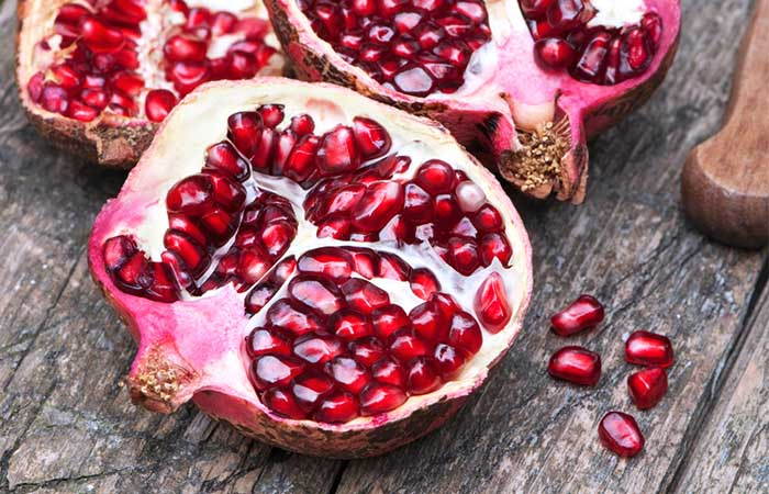 6. Pomegranate For Black Spots On Lips