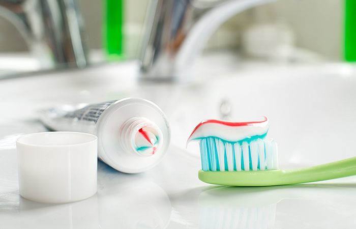 6. Toothpaste And Baking Soda For Acne