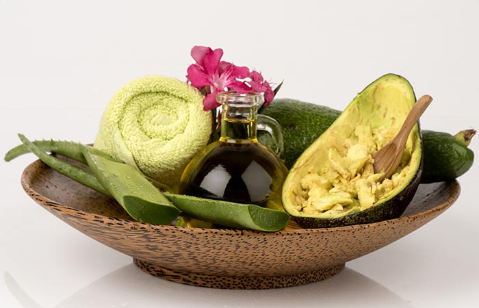 Aloe-Vera-And-Avocado-Mask
