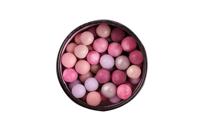Different-Types-of-Highlighter-Makeup-Products5