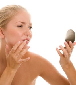6 Home Remedies To Treat Fordyce Spots (White Spots On Lips)