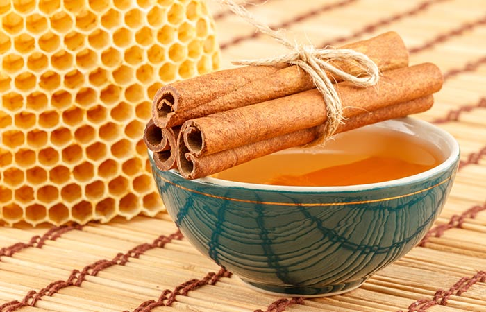 14. Cinnamon And Honey For PCOS