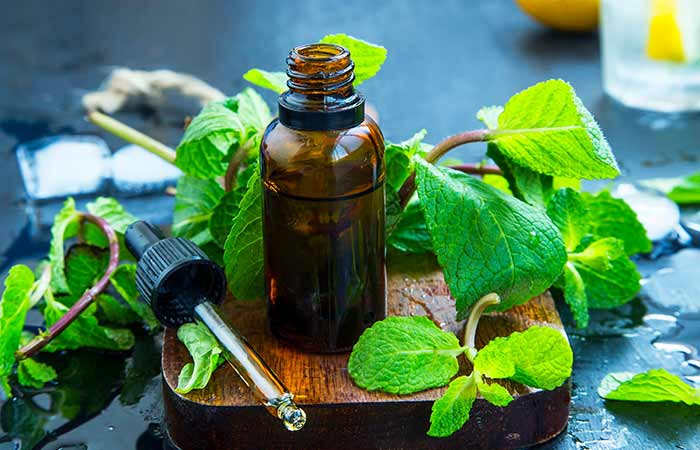 Home Remedies For Wisdom Tooth Pain - Peppermint Essential Oil