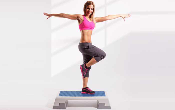 Exercises For Weight Loss - Elbows To Knees