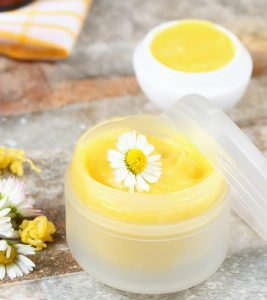 10 DIY Coconut Oil Lip Balms