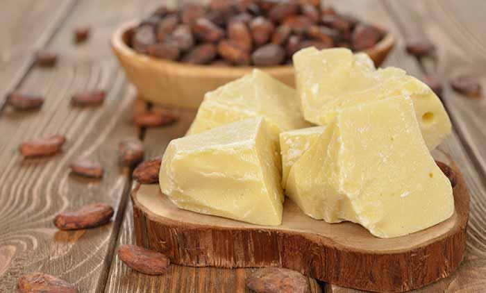 2.Coconut Oil And Cocoa Butter Lip Balm