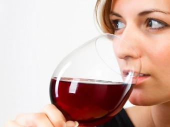 5-Amazing-Benefits-Of-Red-Wine-For-Anti-Aging